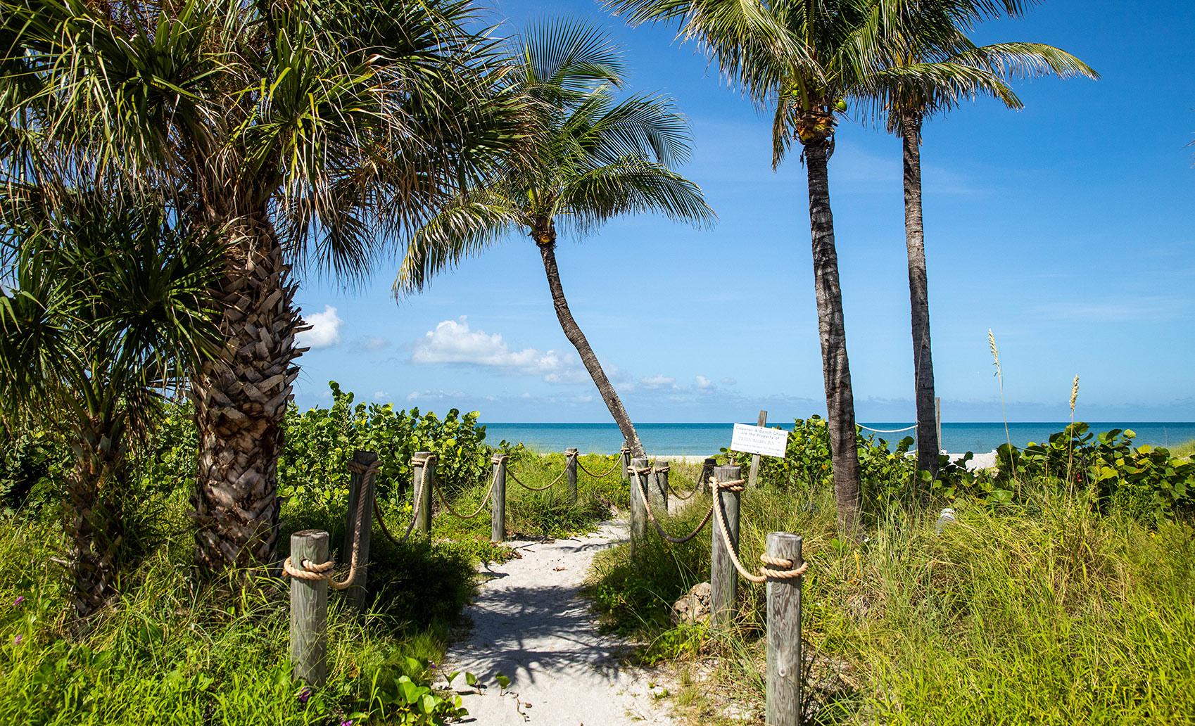 Best Hidden Beaches in Florida, Captiva Island